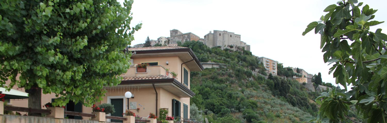 Veduta del centro storico di veroli dal bed and breackfast il Pioppo